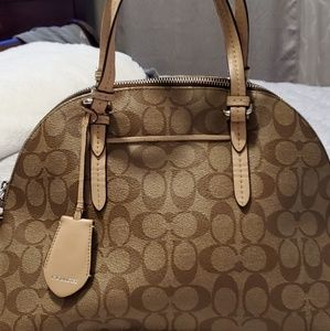 AUTHENTIC COACH BAG. 13x 10